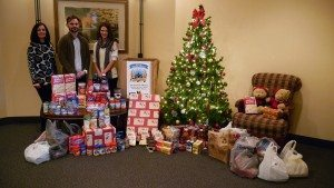 sundance-vacations-charities-weinberg-food-bank-2015-holiday-food-drive-reviews
